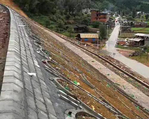 龙岩滑坡工程(龙岩公路工程施工)